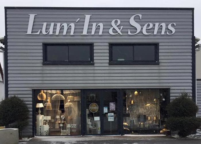 magasin de luminaires vaux sur mer pr s de royan lum 39 in sens. Black Bedroom Furniture Sets. Home Design Ideas